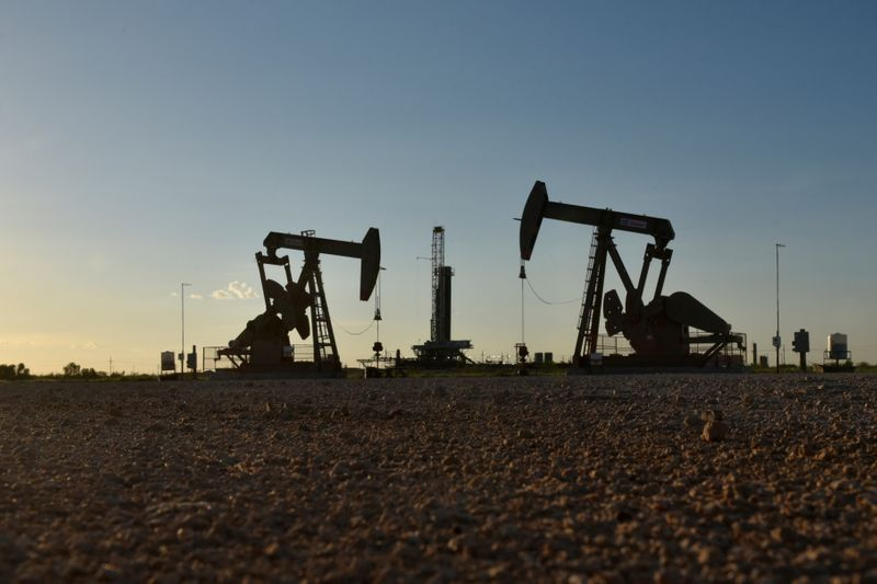 Oil rises on US inventory draw, Brexit deal hopes