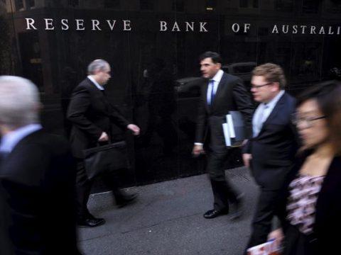 Australia Cut Rate as Virus's Disruptions Grow